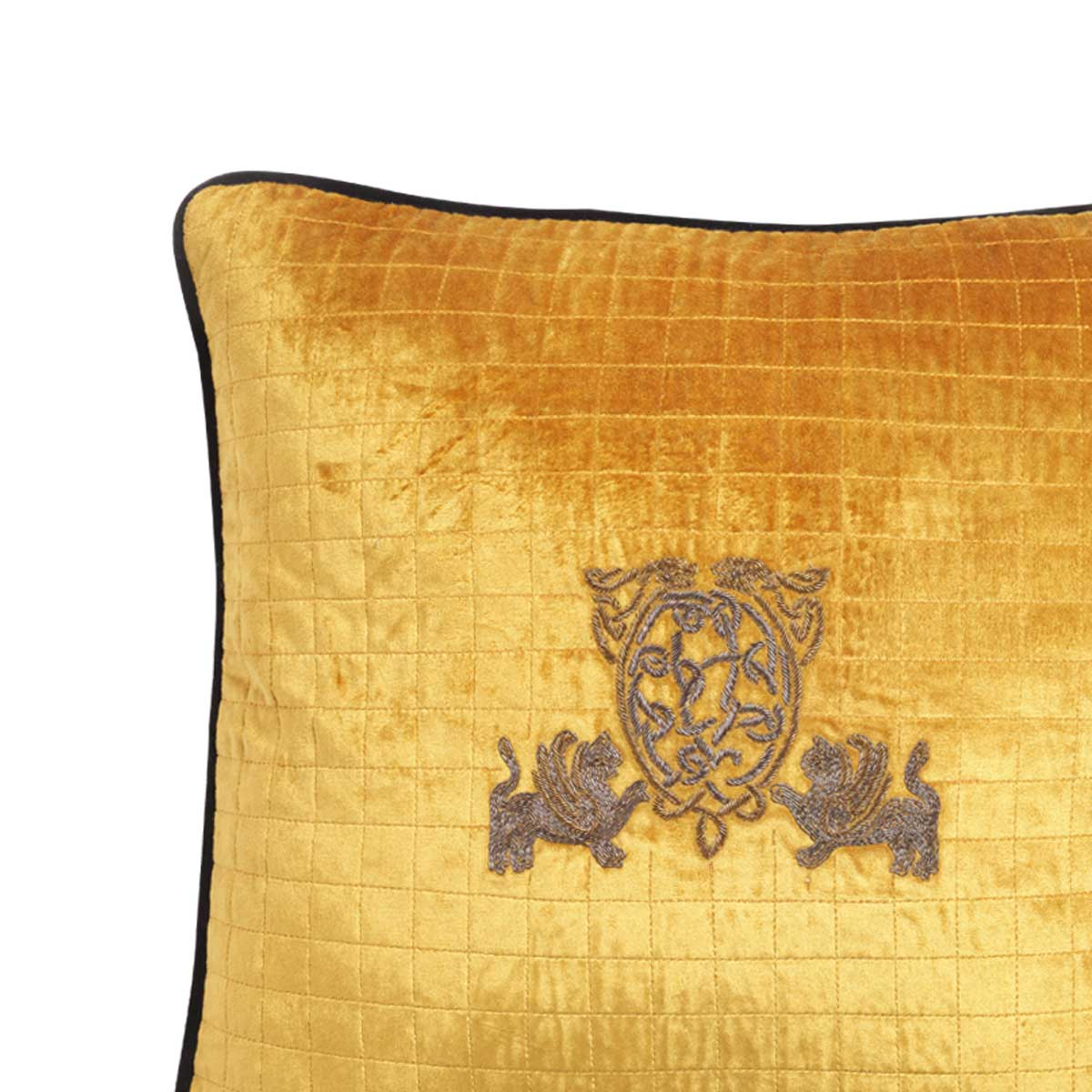 maximus velvet cushion cover